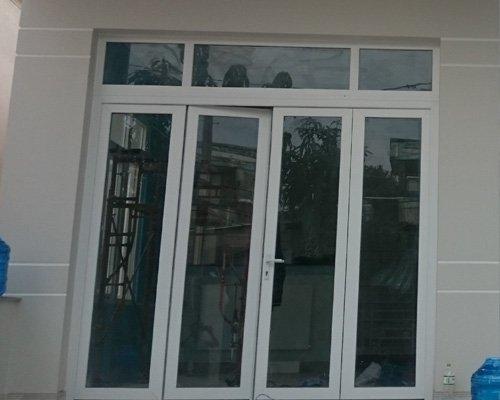 cửa nhôm kính 4 cánh đẹp Ms012