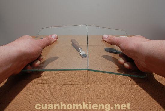 Do kích thước kính cần cắt